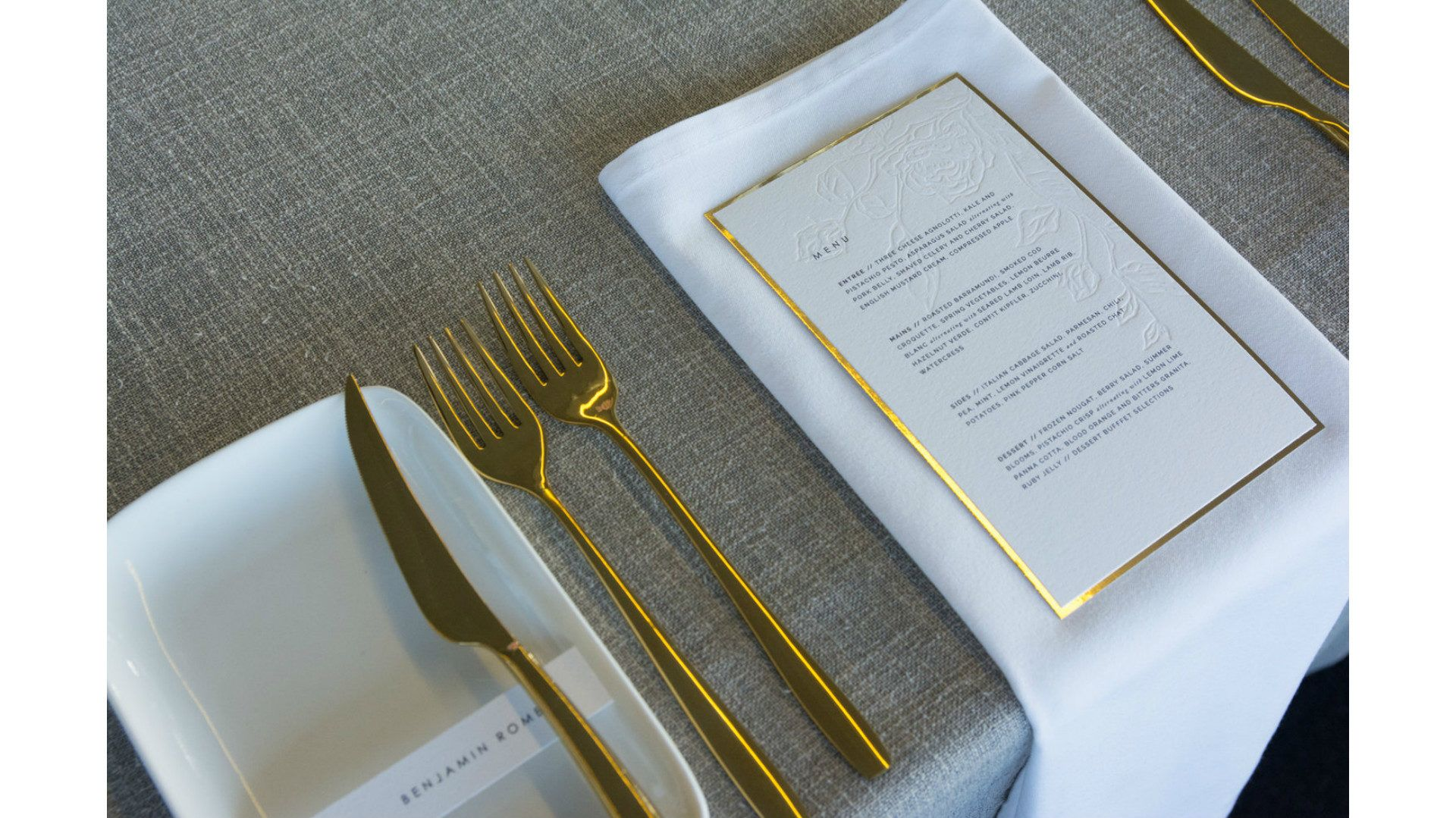 TABLETOP DESIGN // GREY AND GOLD ELEGANCE BY FOX AND MAE